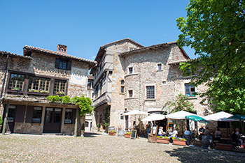 photo de Pérouges, citée médiévale
